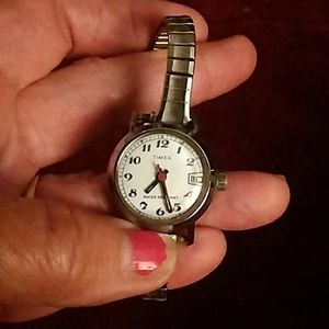 Womens preowned Timex silver toned watch